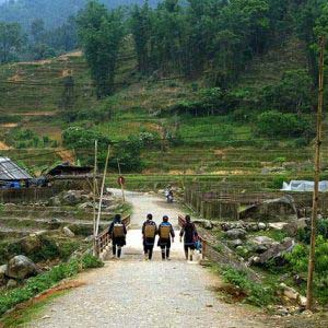 Sapa Trekking 3 days 2 nights – Overnight at Homestay & Hotel