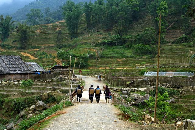 Sapa Trekking 3 days 2 nights - Overnight at Homestay & Hotel