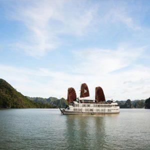 Halong Bay Cruise – Pelican Cruise