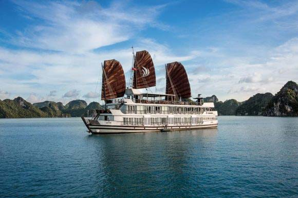 Halong Bay Cruise – Pelican Cruise