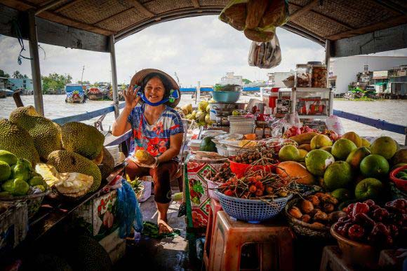 Mekong Delta Tour: Cai Be Floating Market – Tan Phong Island 1 Day
