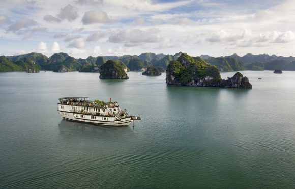 Bai Tu Long Bay Cruise – Bellezza Cruise