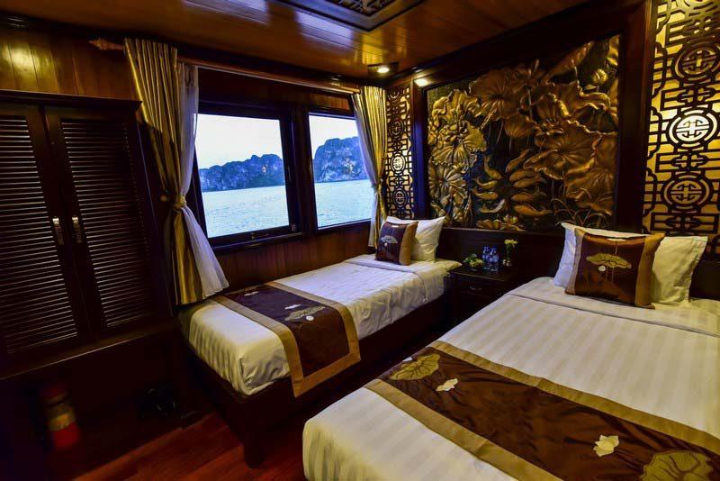 Bai Tu Long Bay Cruise - Renea Cruise