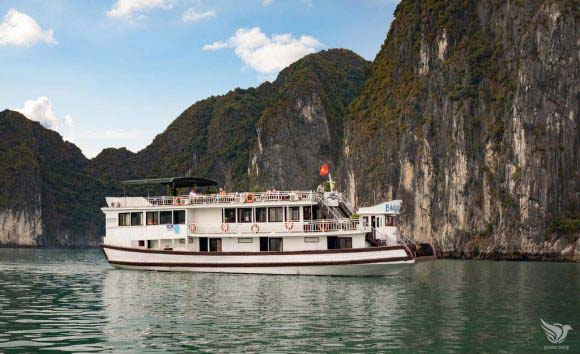 Halong Bay Cruise – Lavender Cruise