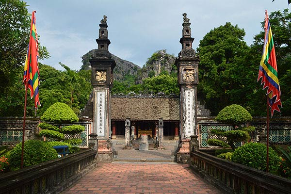 Hoa Lu - Tam Coc 1 Day