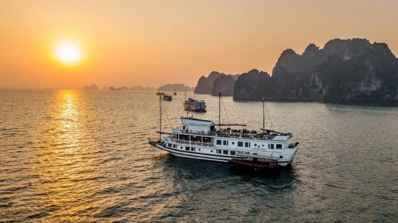 Bai Tu Long Bay Cruise – Garden Bay Legend Cruise