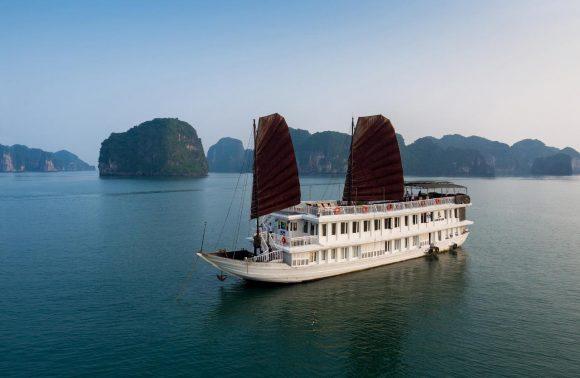Bai Tu Long Bay Cruise – Garden Bay Legend Cruise