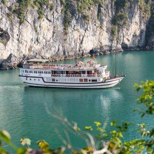 Bai Tu Long Bay Cruise – Garden Bay Luxury Cruise