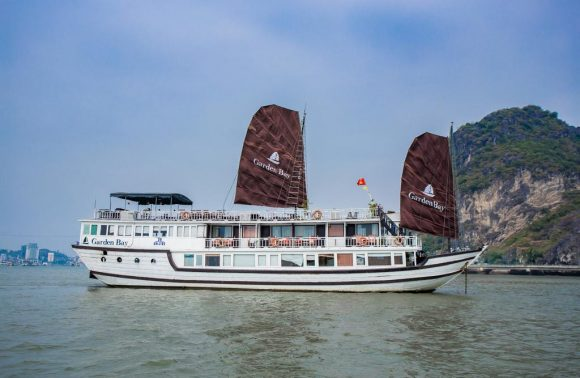 Bai Tu Long Bay Cruise – Garden Bay Luxury Cruise