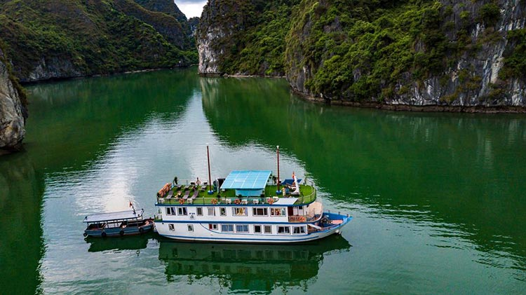 Lan Ha Bay Cruise - Azela Cruise
