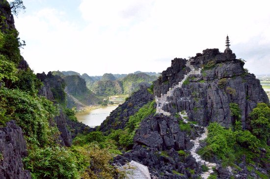 Hoa Lu – Tam Coc – Mua Cave – 1 Day Small Group Tour By Limousine Bus