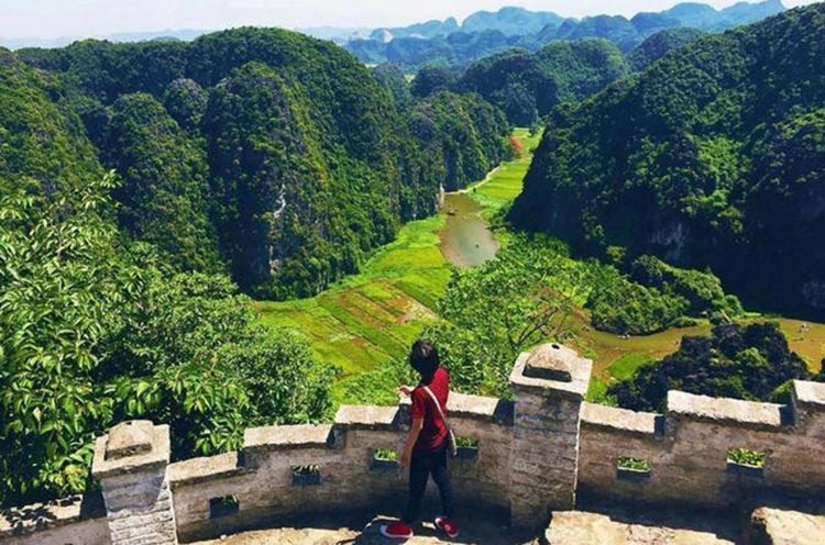 Hoa Lu - Tam Coc - Mua Cave - 1 Day Small Group Tour By Limousine Bus