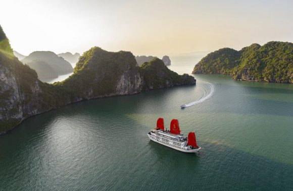 Halong Bay Cruise – Syrena Cruise