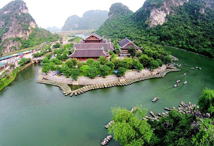 Hoa Lu - Tam Coc - Bai Dinh - Trang An 2 Days 1 Night