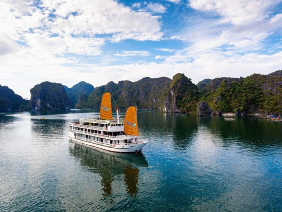 Lan Ha Bay Cruise – Unicharm Cruise