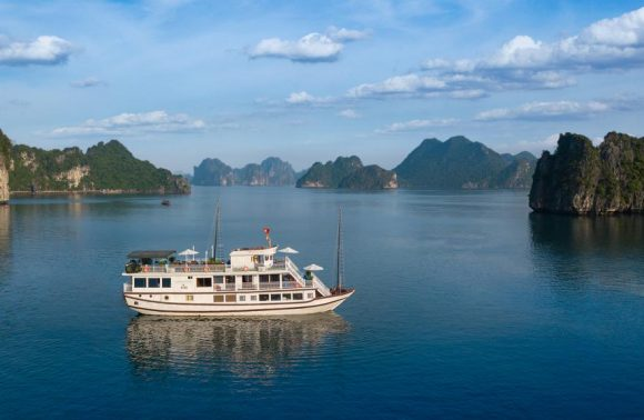 Halong Bay Cruise – Flamingo Cruise