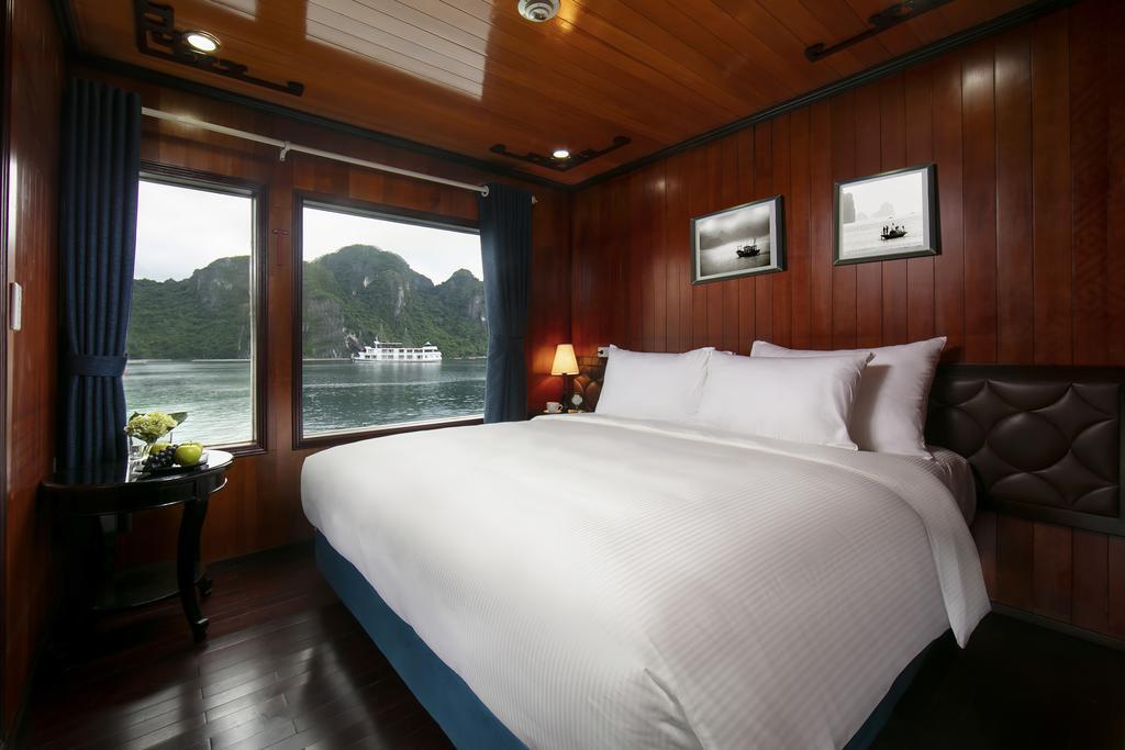 Halong Bay Cruise - Flamingo Cruise