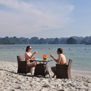 Bai Tu Long Bay – Oriental Sails Cruise