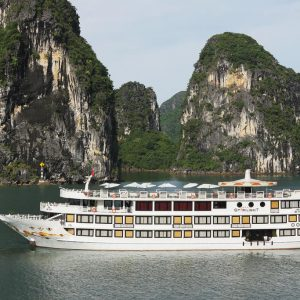 Bai Tu Long Bay Cruise – Starlight Cruise
