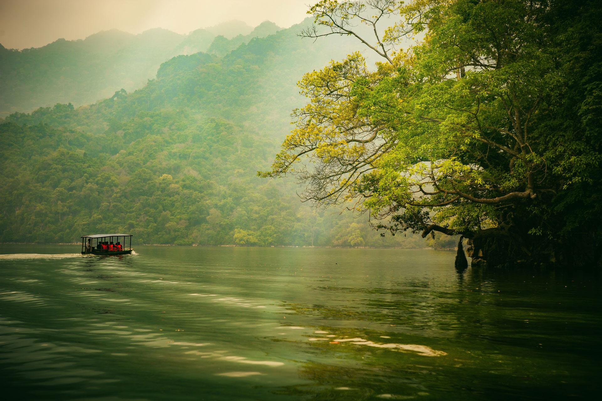 Three ways to enjoy a three-in-one lake – Ba Be