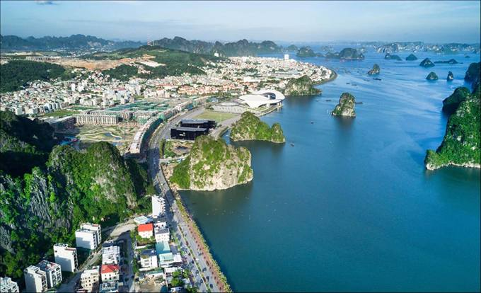 Ha Long to launch open-top tour buses - Halong city tour