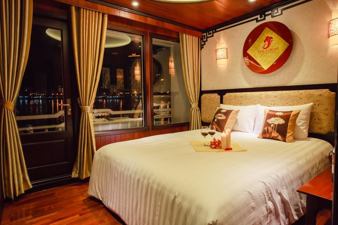 Bai Tu Long Bay Cruise - Viola Cruise