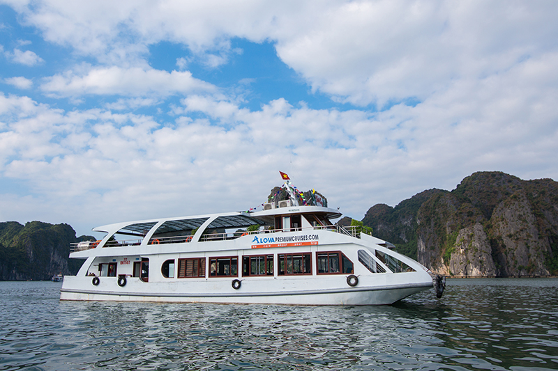 Alova Premium Cruise | Halong Bay 1 Day Tour | Old Quarter Travel