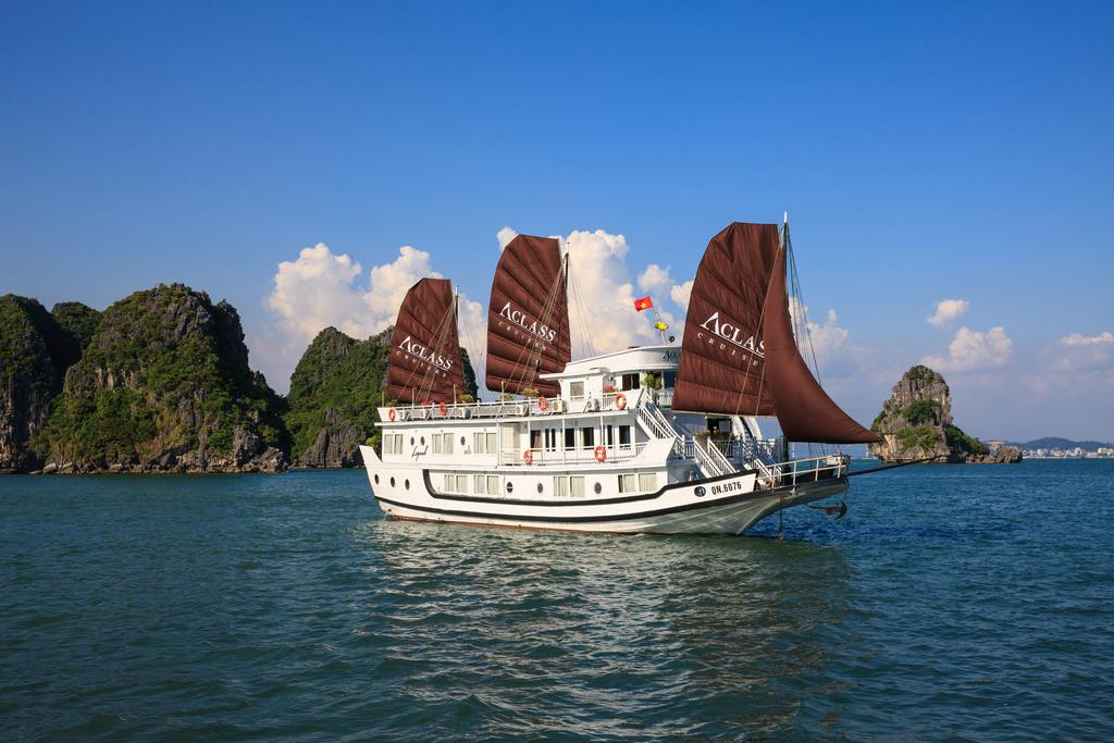 Halong Bay Cruise - Aclass Legend Cruise