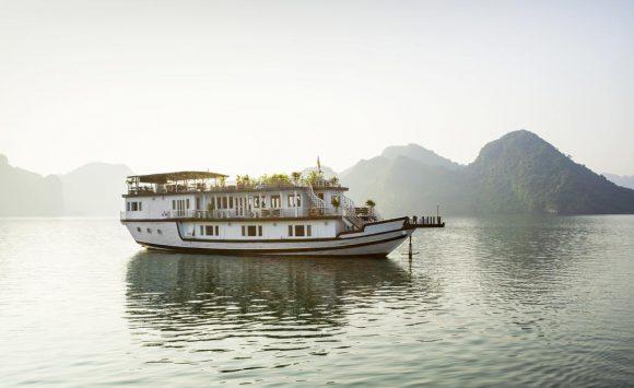 Halong Bay Cruise – Majestic Cruise