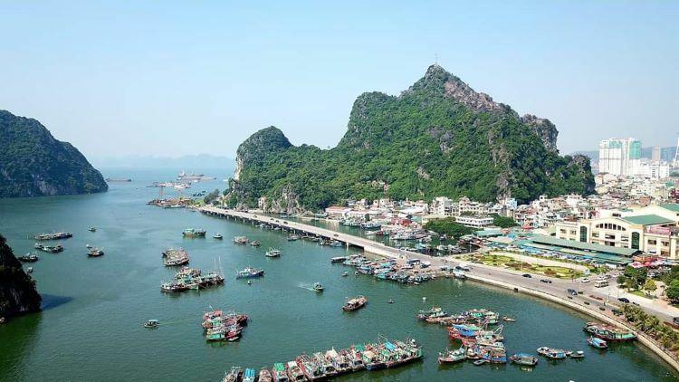 Ha Long Bay's fishing villages